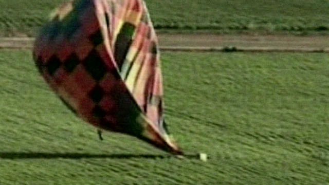 vosil hot air balloon crash landing_00004307