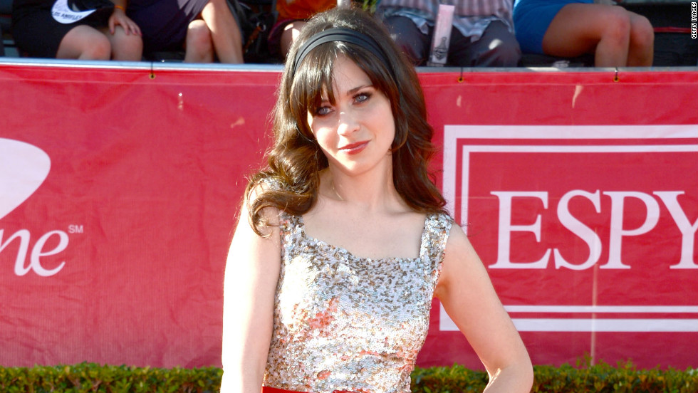 Zooey Deschanel wore Oscar de la Renta to the ESPY Awards.