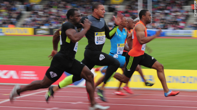Tyson Gay storms to victory in the 100m at the Diamond League meeting in London.