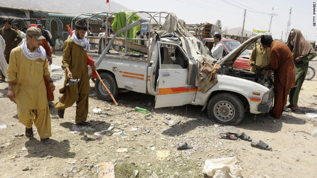 A bomb at a political rally in Quetta, Pakistan, has killed at least seven people.