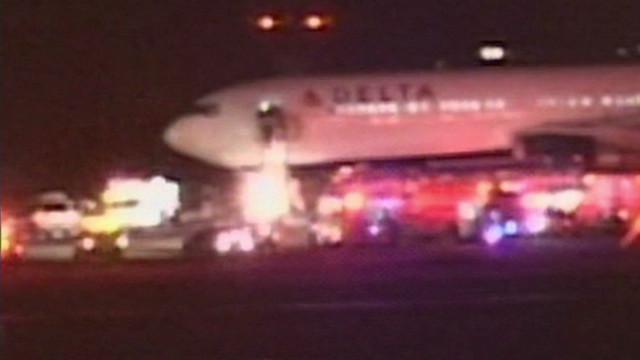 Delta JFK Bomb Scare_00015417