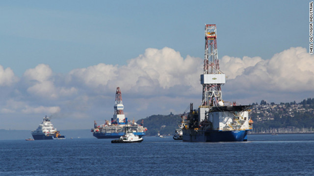 The Noble Discoverer, right, which Shell Oil plans to use for Arctic drilling, slipped its mooring Saturday.