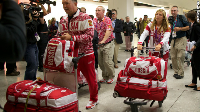 Olympic athletes begin arriving in London