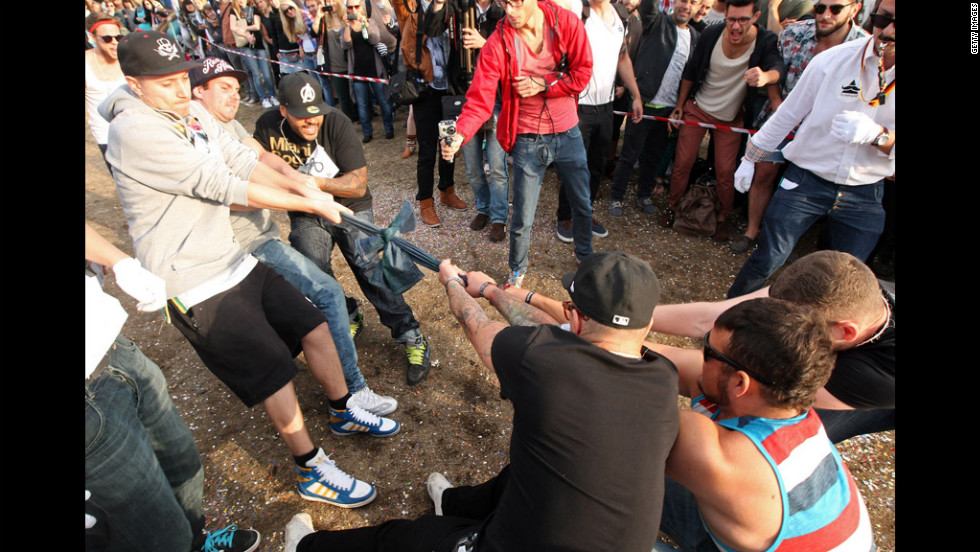 "Teams compete in the ""Skinny Jeans Tug-O-War"" event on Saturday."