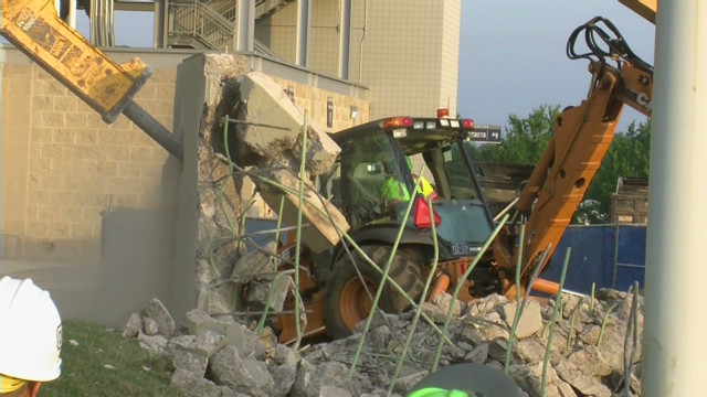 Wall around Paterno statue demolished
