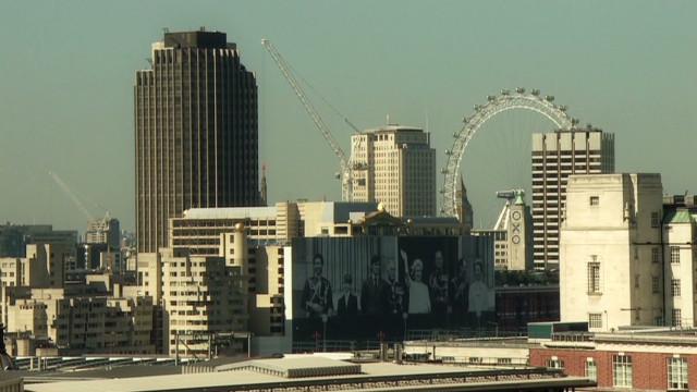 soares uk debt city tour_00000219
