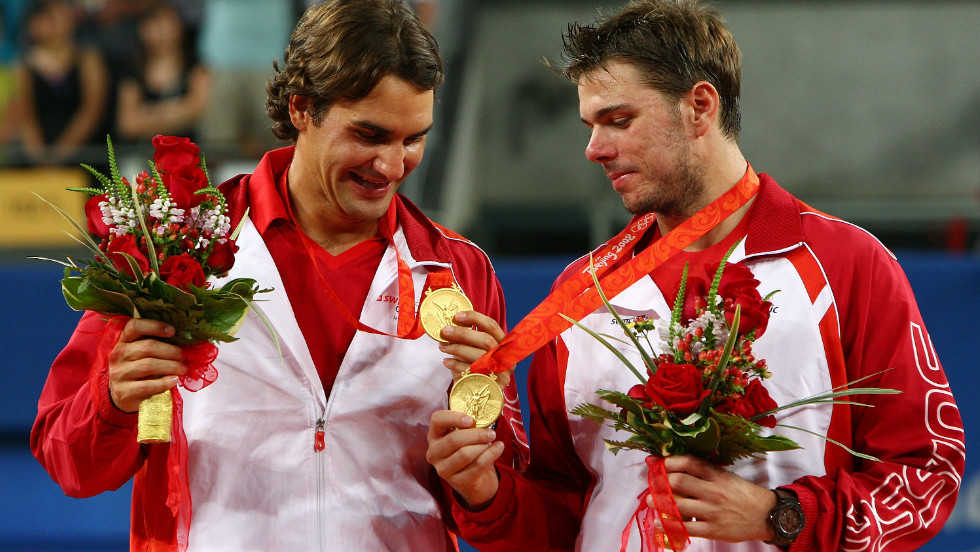 Wawrinka told CNN that in order to stop themselves from crying, he and Federer cracked jokes up on the podium. When Federer took a look at his medal, he told Wawrinka there was a crack in it.