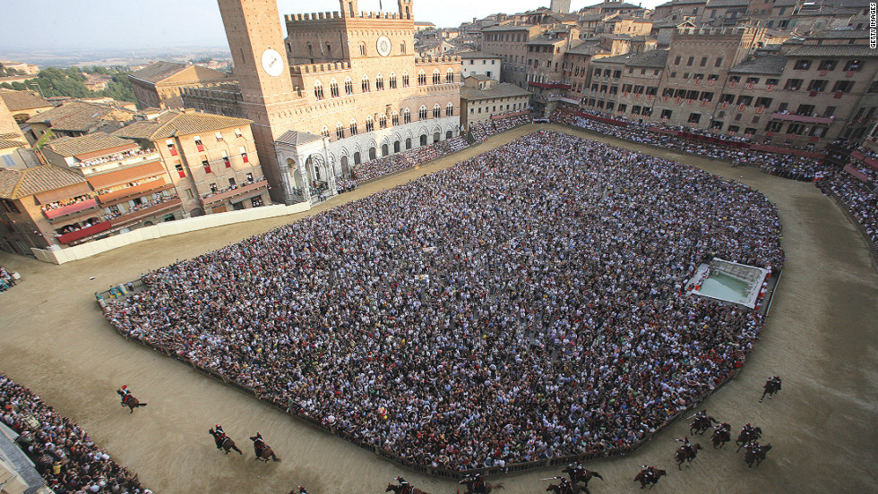 Simply put, there is no racecourse in the world quite like the Piazza del Campo in Italy. With origins dating back to medieval times, when public games were hosted in Siena's central piazza, the first racing events held were originally on buffalo. The first horse race took place in 1656. Since then the surroundings have barely changed, with the course lined with spectators on all four sides and in the central part of the piazza as the race takes place on the ring formed around it. Traditional sandstone buildings form the course's stands, and rural Tuscany forms the backdrop.