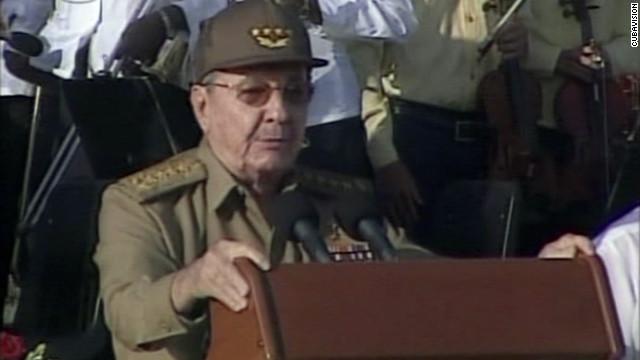Cuban president Raul Castro has pledged to ease the country's travel restrictions.