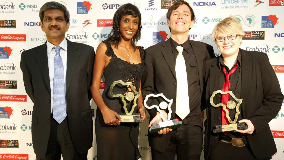 (Right to left) Demelza Bush, Craig McKune and Verashni Pillay are jointly-awarded the Digital Journalism Award.