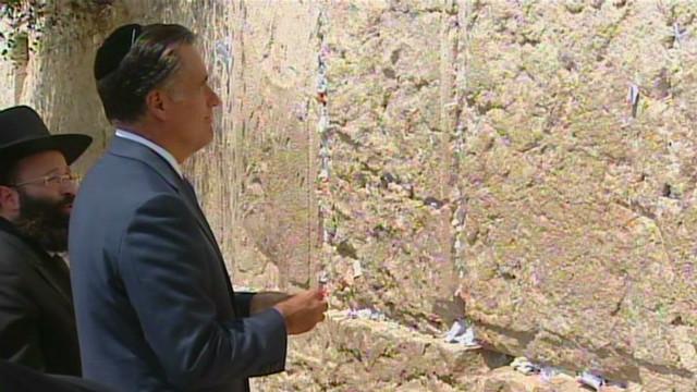 Mitt Romney visits Western Wall