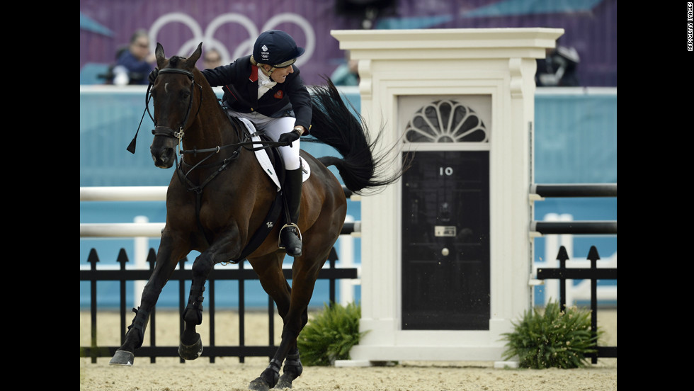 Despite his prime spot, Prime Minister David Cameron refuses to watch the show jumping competition.