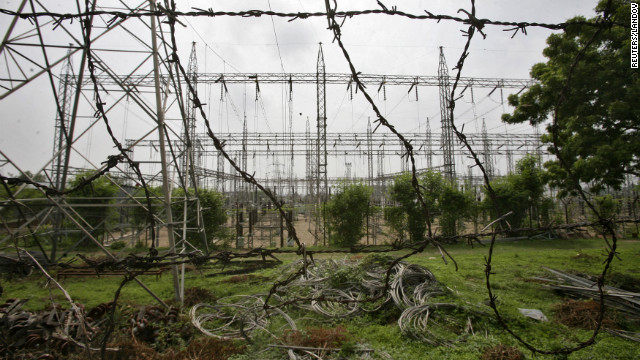 Image #: 18791413    A general view of an electric power station on the outskirts of Jammu July 31, 2012. Grid failure hit India for a second day on Tuesday, cutting power to hundreds of millions of people in the populous northern and eastern states including the capital Delhi and major cities such as Kolkata. REUTERS/Mukesh Gupta (INDIAN-ADMINISTERED KASHMIR - Tags: ENERGY BUSINESS)       REUTERS /MUKESH GUPTA /LANDOV