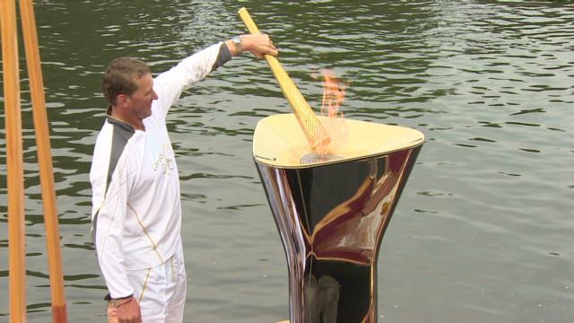 natpkg.olympic.torch.highlights_00023230