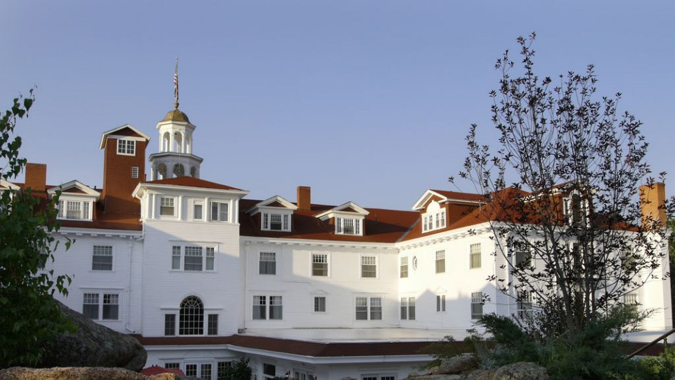 If you like things that go bump in the night, you'll love this legendary Estes Park, Colorado, hotel's regularly scheduled ghost tours.