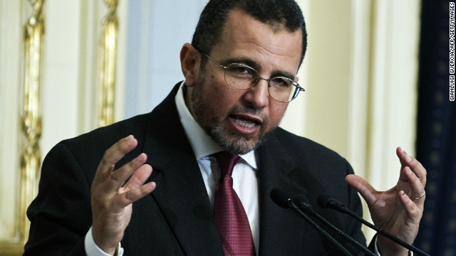 Egyptian Prime Minister Hisham Qandil announces the newly-elected Egyptian cabinet on August 2, 2012.