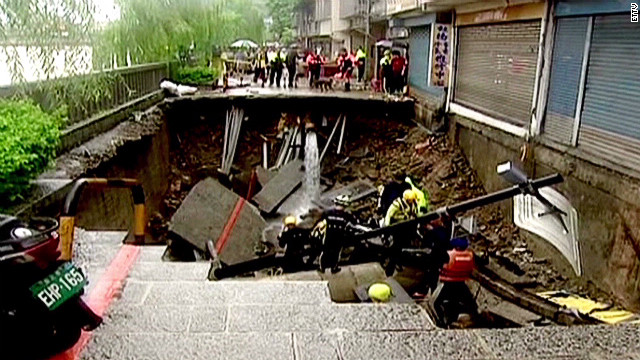 Man dies after falling in sinkhole