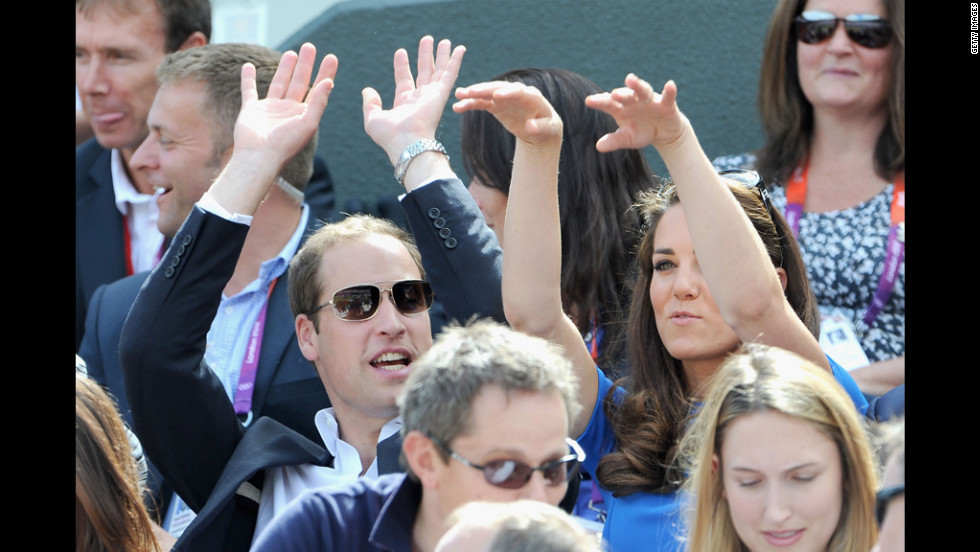 Royals do the Wave, learn that the pointlessly ubiquitous fan-participation exercise inspires exactly nobody.
