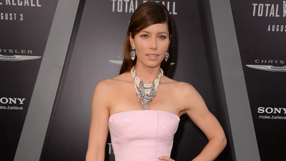 "Jessica Biel poses at the ""Total Recall"" premiere."
