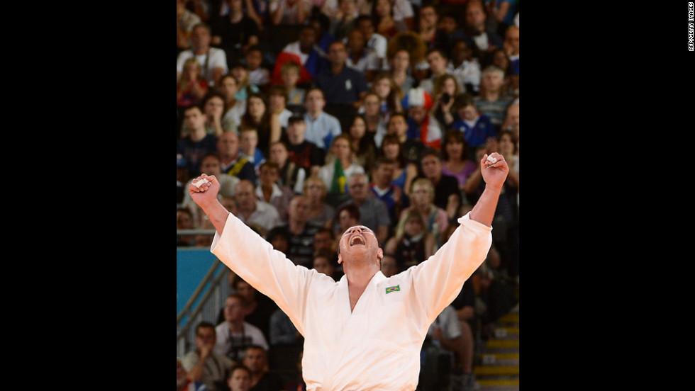 Cuba's Oscar Brayson is victorious in the men's over 100-kilogram judo bronze medal match.
