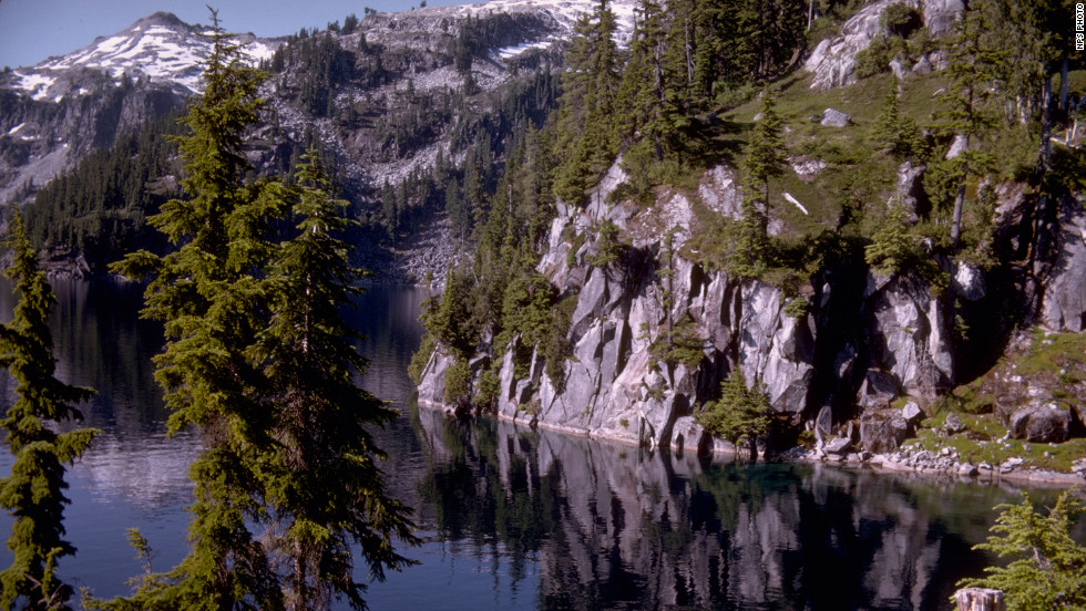 North Cascades National Park contains more than 300 glaciers.