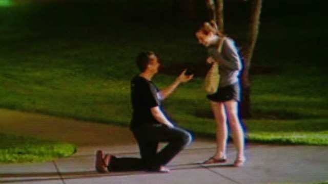 dnt surprise proposal pic goes viral_00004210