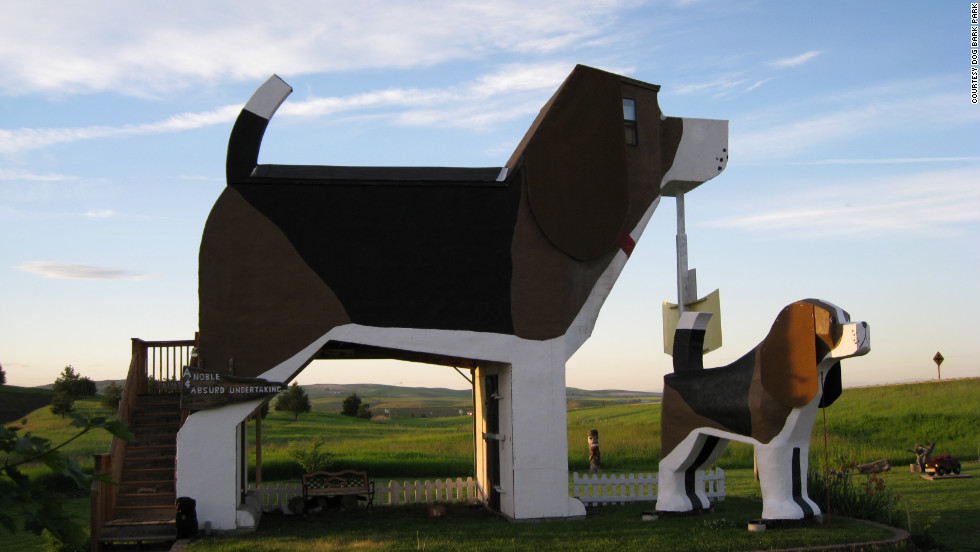This B&B in Cottonwood, Idaho, may be slightly off the beaten path, but then, considering that it's in the shape of a 30-foot-tall beagle, it's also slightly out of the ordinary.