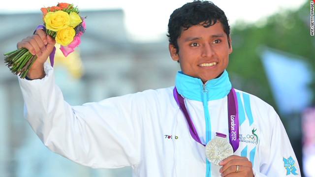 romo olympics guatemala 1st medal_00000409