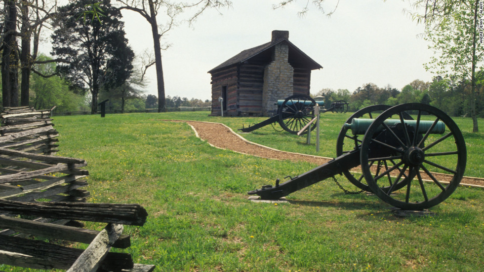 A seven-mile, self-guided auto tour is laid out at Chickamauga Battlefield.