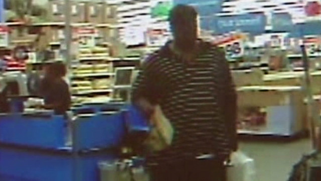 dnt diabetic woman passes out, man steals purse_00003916