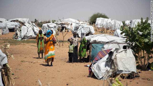 2012: 25,000 flee refugee camp