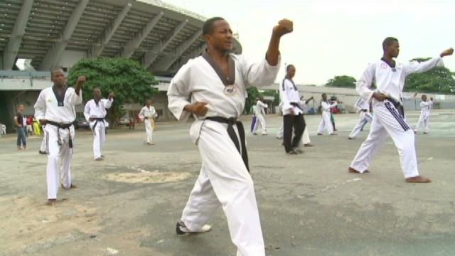 inside africa taekwondo martial arts nigeria_00003912
