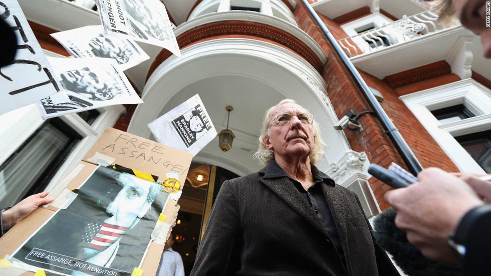 Journalist John Pilger arrives to visit Assange, his friend, at the embassy in Knightsbridge.