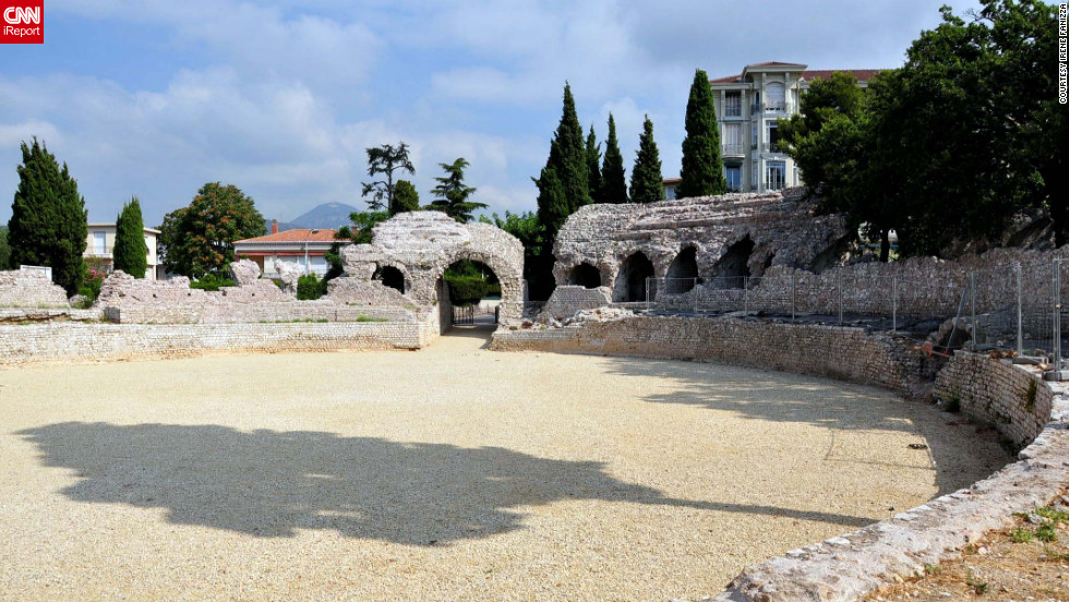 "The city's Cimiez neighborhood is home to <a href=""http://ireport.cnn.com/docs/DOC-826524"">Roman ruins and an archaeology museum</a>."