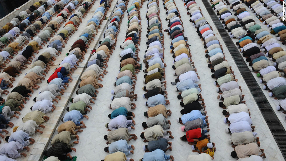 Pakistani Muslims offer Jummat-ul-Vida, last Friday, prayers during the holy month of Ramadan at the Dada Darbar mosque in Lahore, Pakistan.