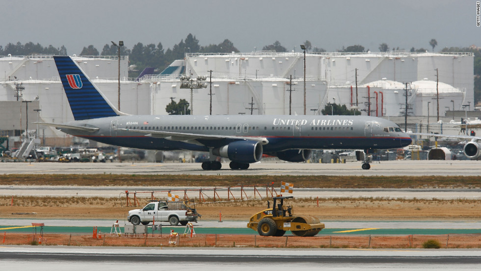 On November 28, 2005, Boeing wrapped up the 23-year run of the single-aisle 757 passenger airplane with the delivery of the 1,050th and final plane to Shanghai Airlines. There are still hundreds of them in service though. They come in two versions -- the 757-200 and the 757-300.