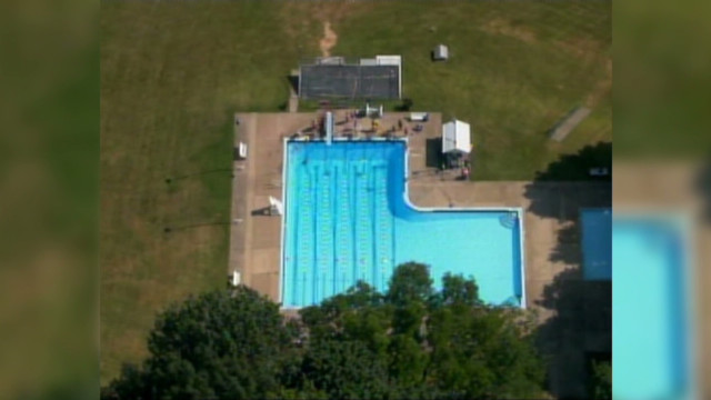 2009: Swim club rejects minority kids