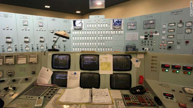 Control room of Oldbury Nuclear Power Station in 2006 in Gloucestershire, UK. Lawmakers want to minimize Chinese share of new plant.