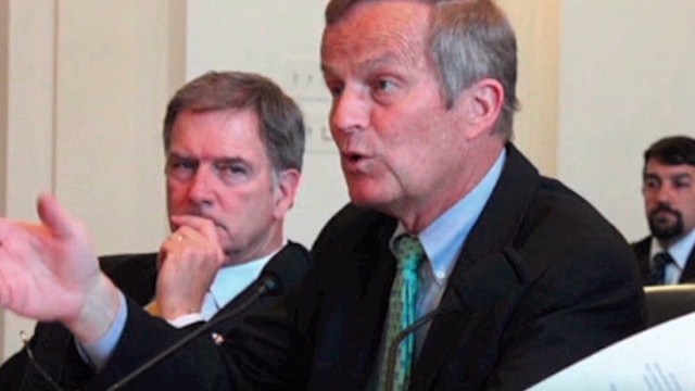 Defiant Akin still in Senate race