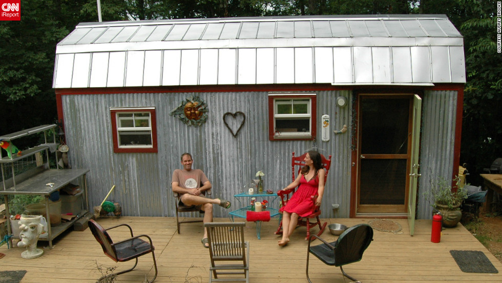 downsizing from a 1500 square foot house to a tiny 168 square - Small House Living