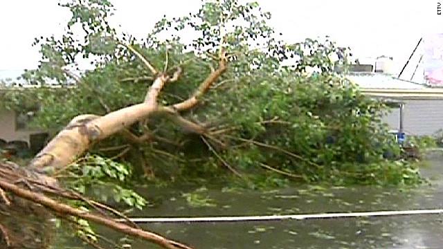 Typhoon makes landfall in Taiwan