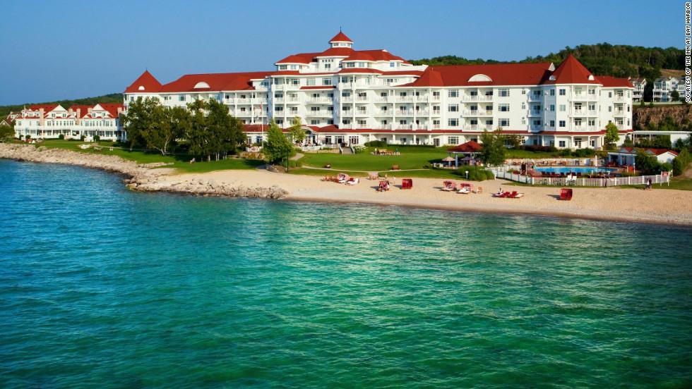 Traverce City Beach Side Hotels Rentals