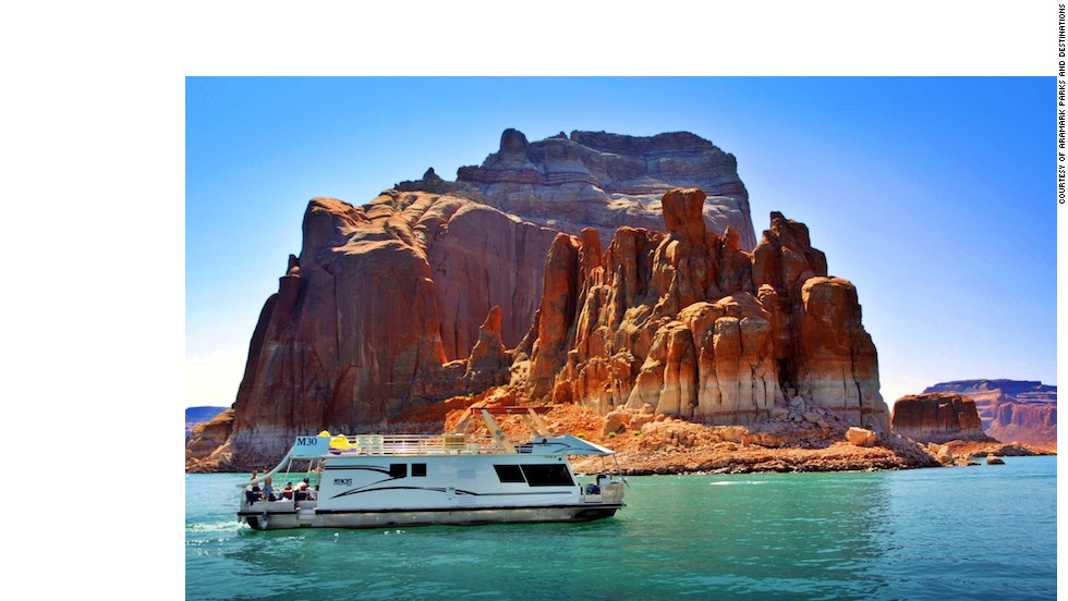 Spin your own high-adventure tale on a houseboat cruise through the red-rock desert wilderness on Lake Powell in Utah and Arizona.