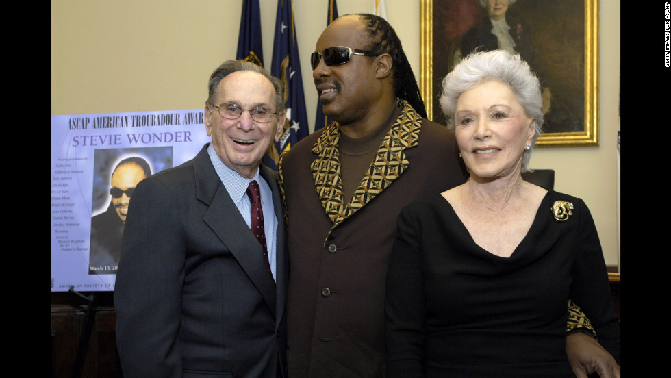 "Stevie Wonder, center, poses for a picture with the Davids in the green room during the American Society of Composers, Authors and Publishers (ASCAP) annual ""Songwriter Night"" March 2007 in Washington."