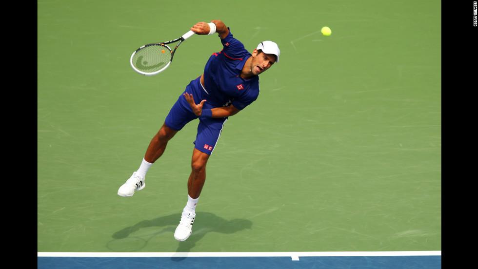 Djokovic serves to Benneteau.