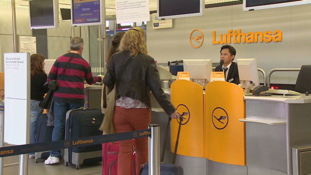 2012: Lufthansa hit hard by striking workers