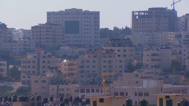 lakhani ramallah credit crunch_00014106