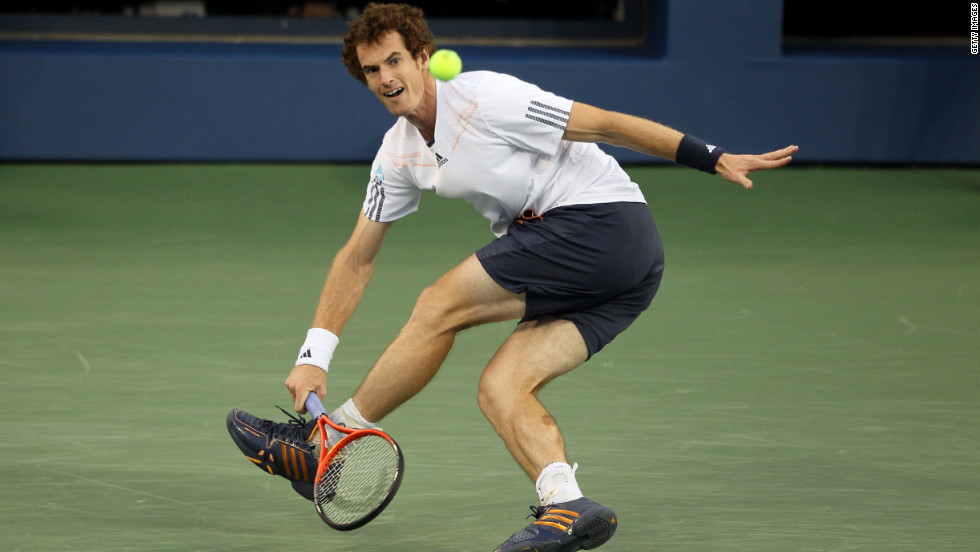 Andy Murray returns a shot against Novak Djokovic on Monday.