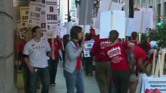 Chicago teacher speaks from picket line