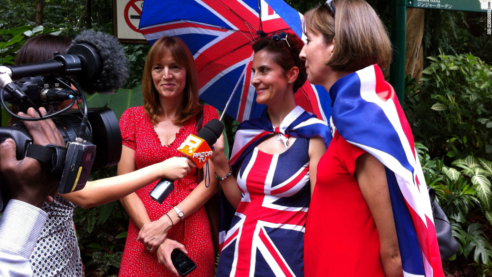 Crowds gathered to welcome William and Catherine in Singapore. The royal couple will also visit the Commonwealth nations of Malaysia, the Solomon Islands and Tuvalu on their tour of the region.